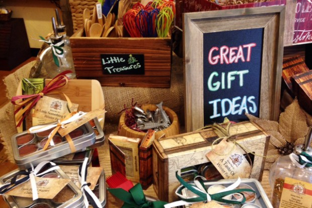 Best Local Holiday Gifts for Foodies
