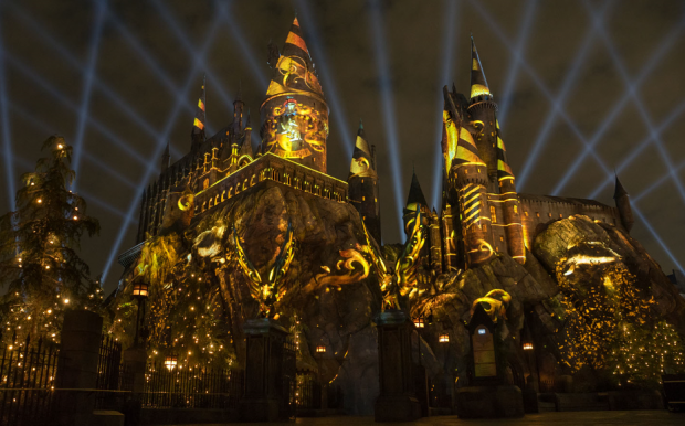 The Nighttime Lights at Hogwarts Castle Debuts January 31st, 2018!