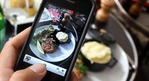 How to take better food pics with your phone